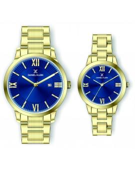Montre Daniel Klein Homme et femme bracelet acier doré fond bleu